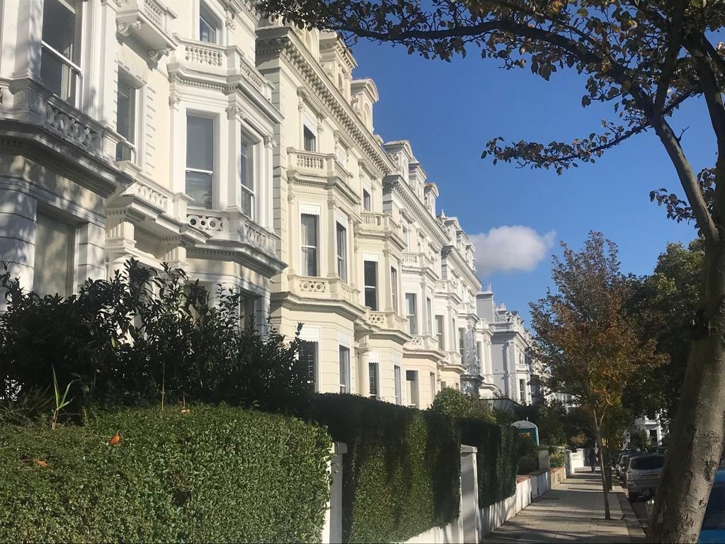 Le dimore vittoriane a Pembridge road a Londra