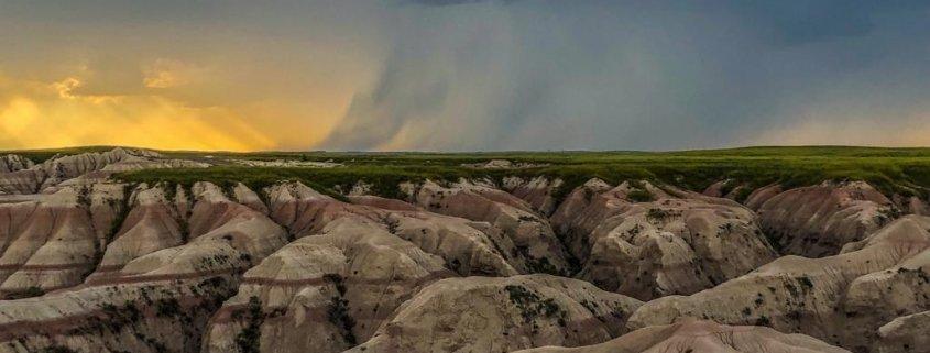 Tramonto al Parco Nazionale delle Badlands in South Dakota