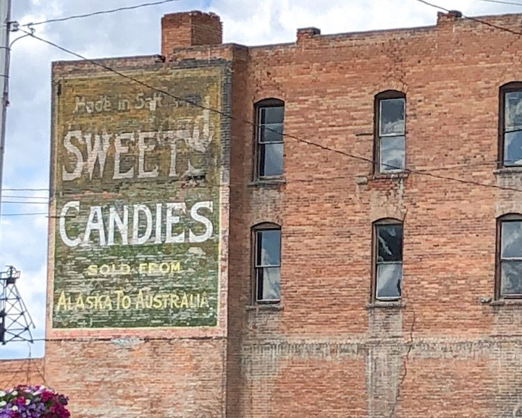 ghost signs insegne fantasma sweet's candies butte montana