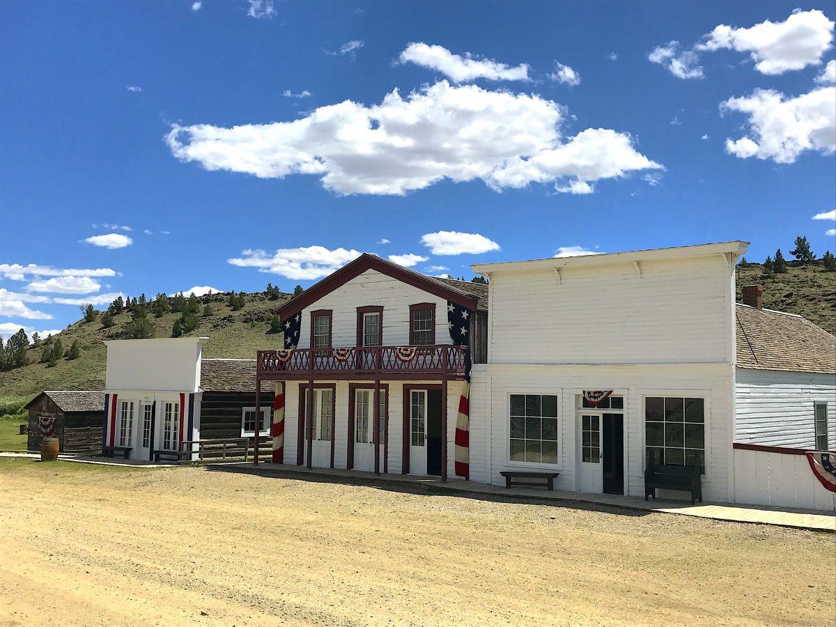 south pass city ice house e hotel